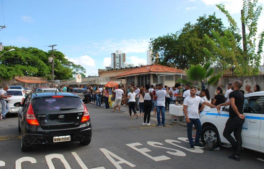 [89 mil candidatos realizaram prova do concurso da Polícia Militar da Bahia]
