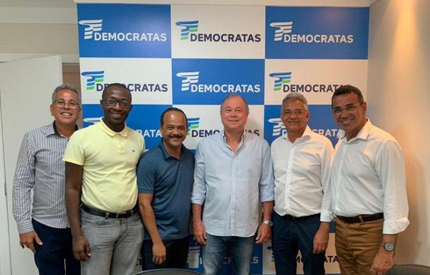 [Após reunião com prefeito, deputado Paulo Azi promete buscar recursos para a habitação de Camaçari]