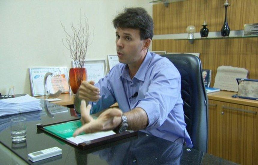 [Ex-prefeito é condenado a mais de 7 anos de prisão por foto dele em carnês do IPTU]