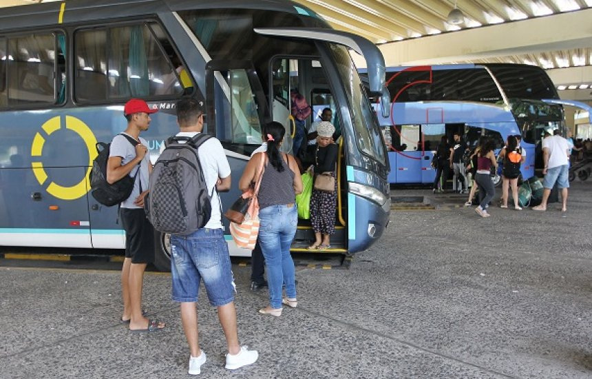 [Rodoviária, Sistema Ferry Boat e concessionárias realizam operações especiais para o Carnaval]