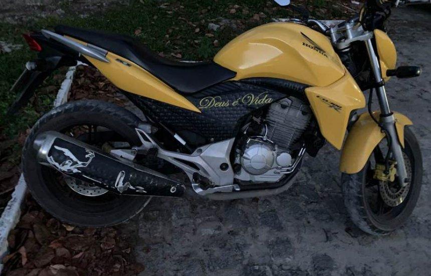 [Polícia recupera moto logo após roubo em Dias d'Ávila]