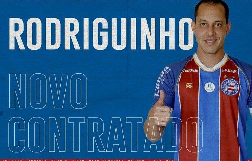 [Bahia anuncia contratação do meia Rodriguinho: 'Bem-vindo, R10!']