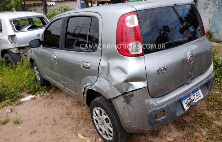 [Bandidos roubam carro, trocam tiros com a polícia e acabam mortos em Camaçari]