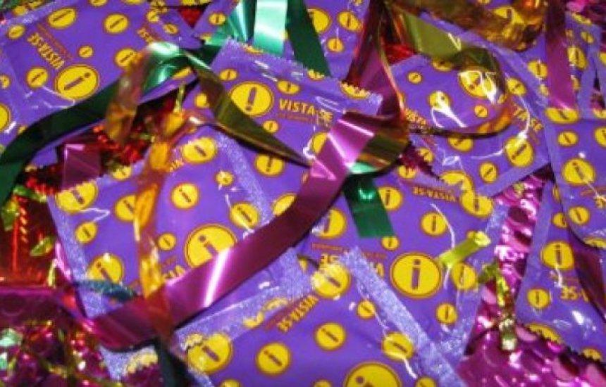 [SAC distribui 74 mil preservativos em postos de Salvador e Lauro]