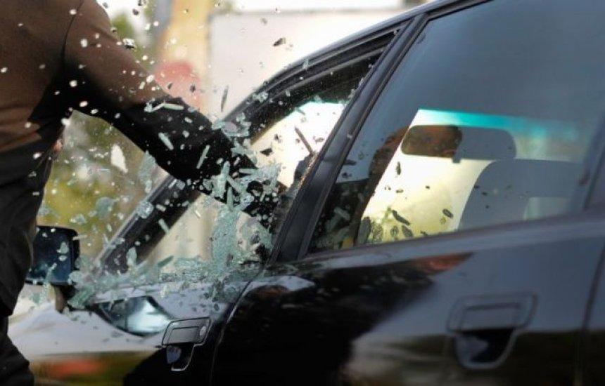 [Polícia registra roubos de veículos em Camaçari]