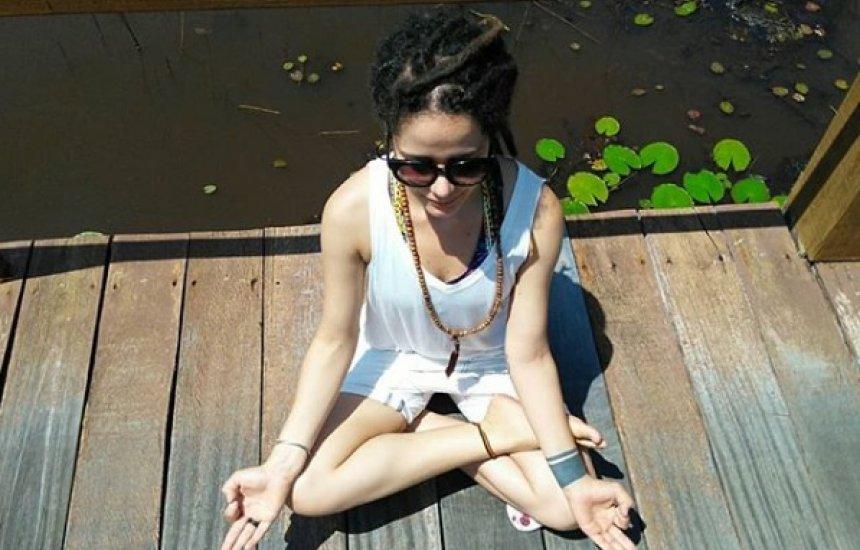 [Psicóloga ensina técnica de meditação para fazer durante o isolamento social]