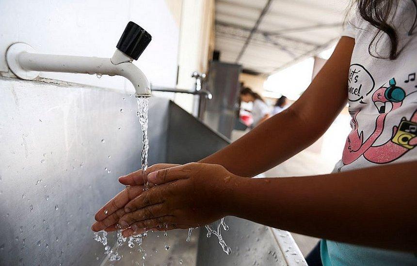 [Medida que isenta famílias baianas da conta de água passa valer a partir de amanhã]