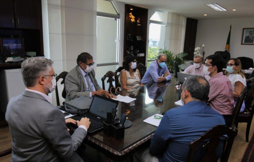 [Governo da Bahia vai liberar uso associado dos medicamentos hidroxicloroquina e azitromicina para pacientes com Covid-19]