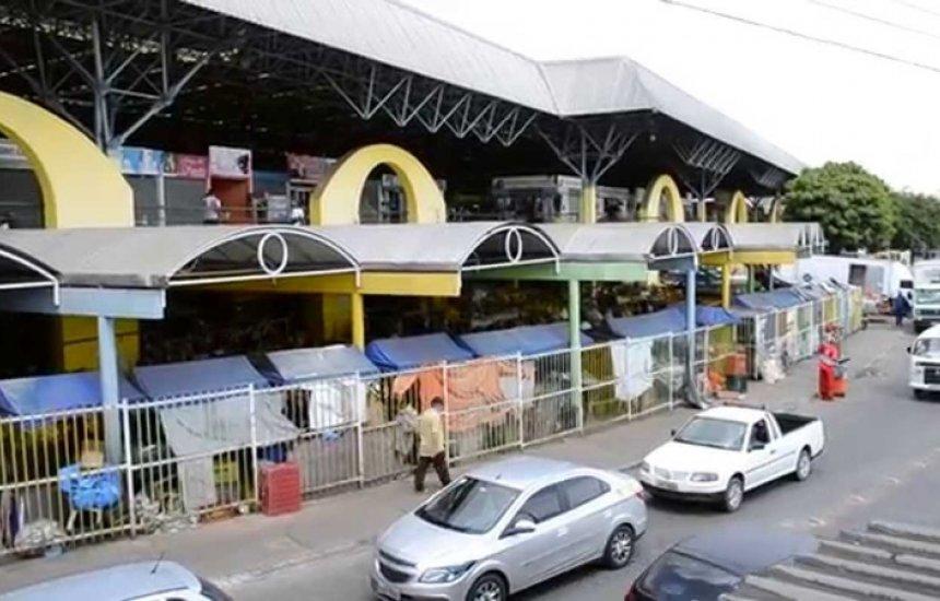 Moto é tomada de assalto no estacionamento da feira de Camaçari