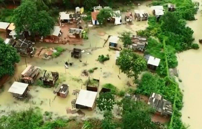 [Barragem de rio transborda e moradores de São Cristóvão têm casas inundadas após forte chuva]