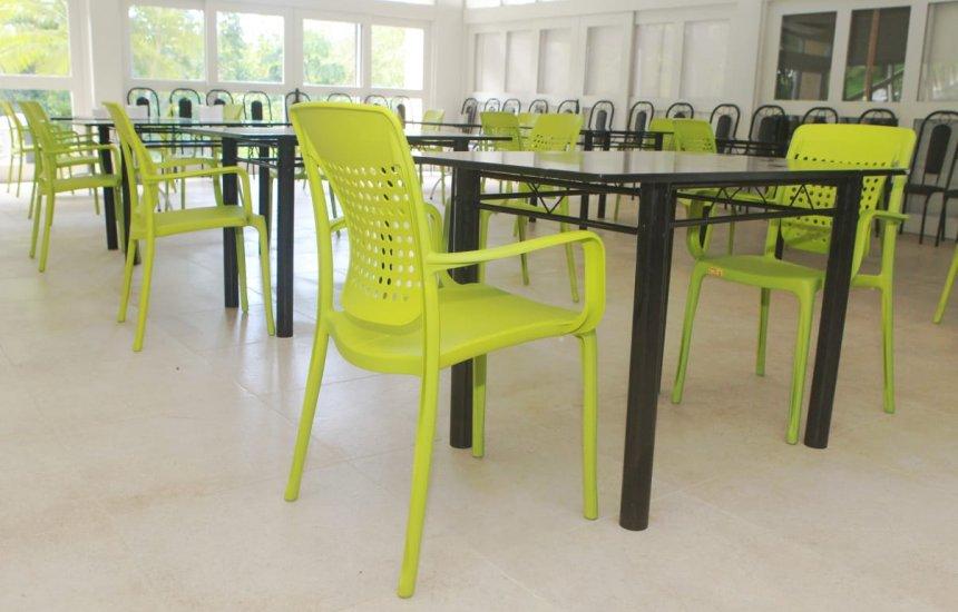 [Secretaria de Saúde recebe doação de cadeiras para hospitais e centros de acolhimento]