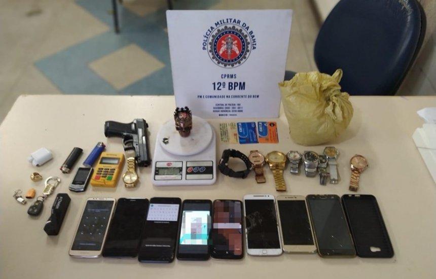 [Jovem é preso com simulacro e 10 celulares roubados no Parque Verde II]