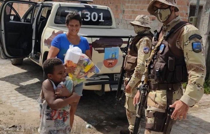 Policiais da CIPE-POLO entregam doações a famílias carentes de Camaçari, Dias d'Ávila e Simões Filho
