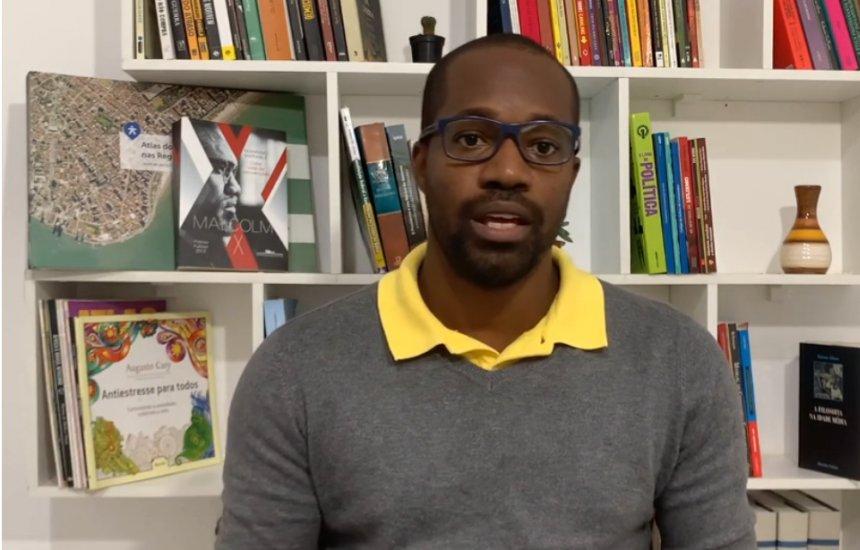 [Racismo estrutural do Estado é tema do comentário do professor Edvaldo Jr]