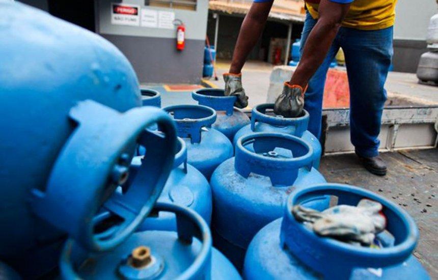 Gás de cozinha sofre reajuste de 5% nesta quinta-feira (04)