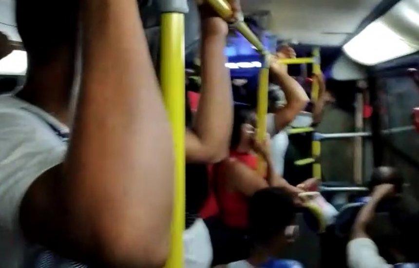 [Leitora denuncia superlotação em transporte público de Camaçari]