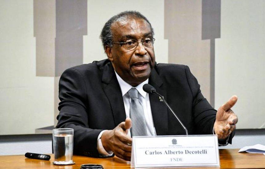 [Além do ministro, 75% dos brasileiros contam mentiras no currículo]