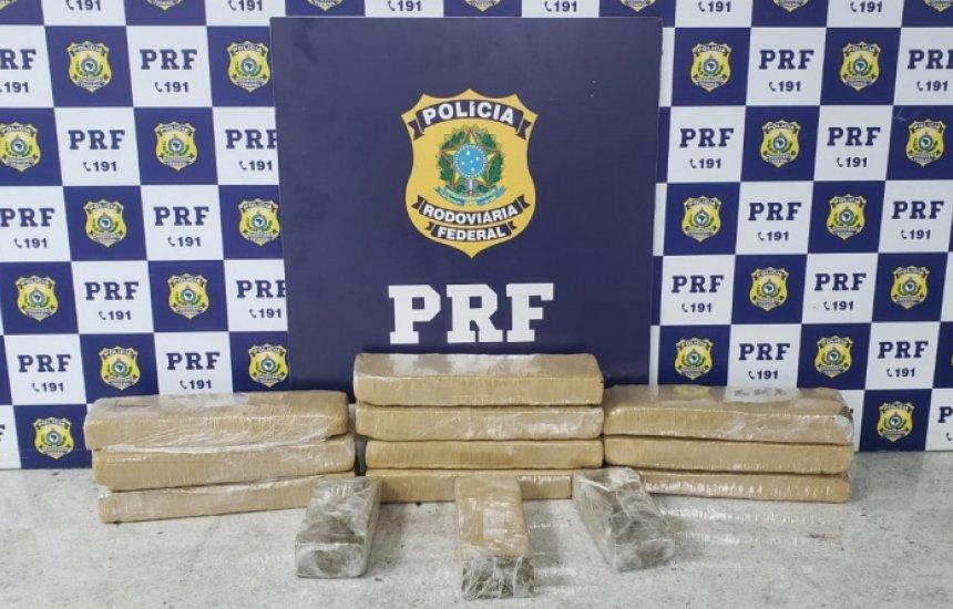 [PRF apreende 10 quilos de maconha após perseguição na BR-116]