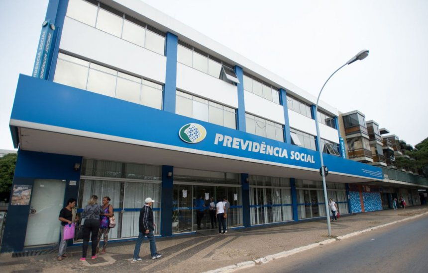 [INSS prorroga antecipação do BPC e auxílio-doença até 31 de outubro]