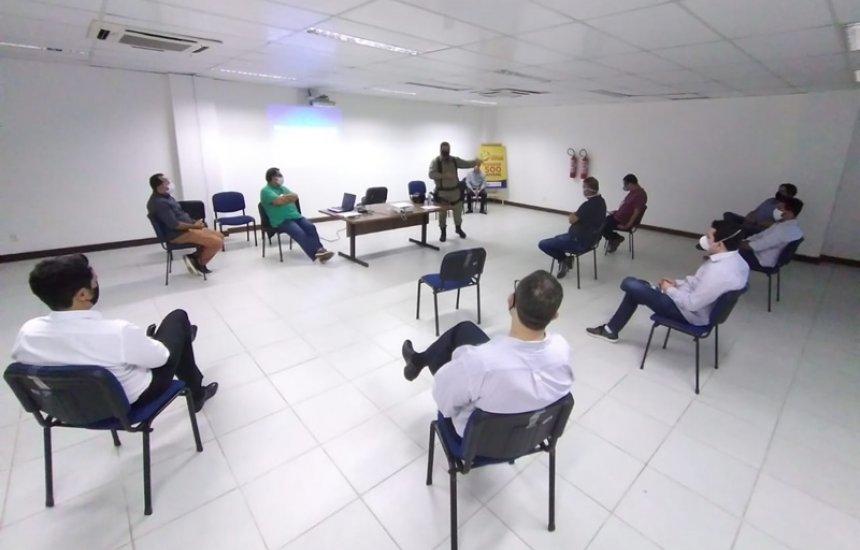 [Dias d'Ávila: reunião entre Prefeitura, Polícia Militar e representantes do comércio discute medidas para conter avanço da Covid-19]