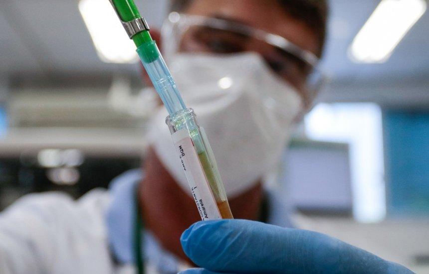 [SC vai testar vacina tríplice viral contra Covid-19 em profissionais de saúde]