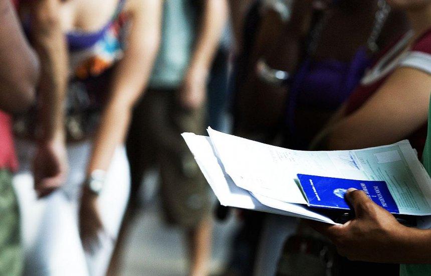 [Taxa de desemprego sobe a 13,7% na 4ª semana de julho, diz IBGE]