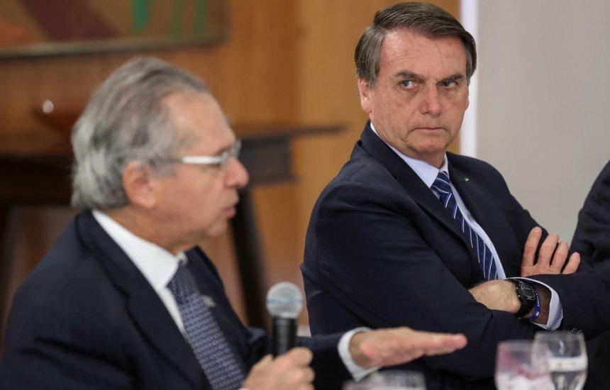 """[Paulo Guedes: """"Governo está quebrado e vai ficar dando aumento na aposentadoria?""""]"""
