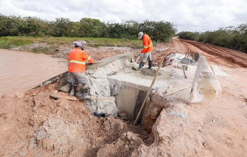 [Comunidade de Camaçari são beneficiadas com obras de drenagem e pavimentação]