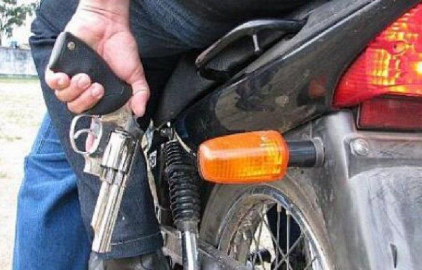 [Criminosos tomam de assalto motocicleta em Camaçari]