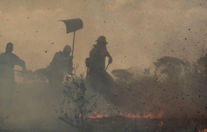 [Ibama determina recolhimento de brigadas de combate a incêndios por falta de recursos]