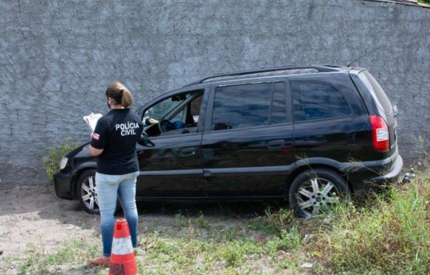 [Motorista de transporte clandestino é morto a tiros dentro de carro em Feira]