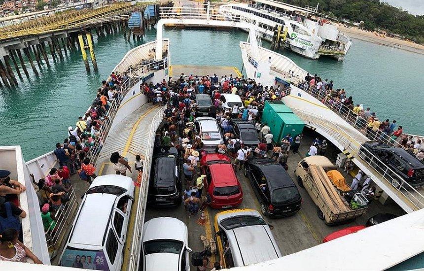 Feriadão: ferry-boat registra espera de 2h para carros