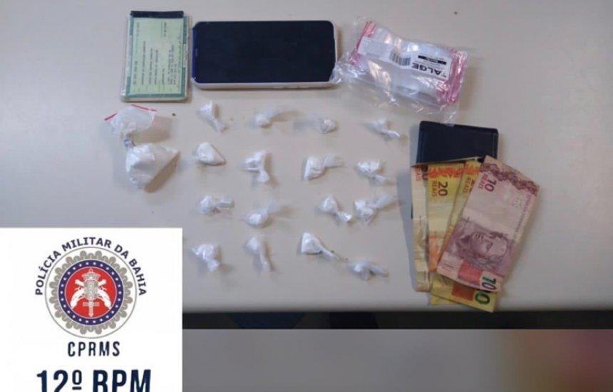 [Jovem de 24 anos é preso com cocaína no Camaçari de Dentro]