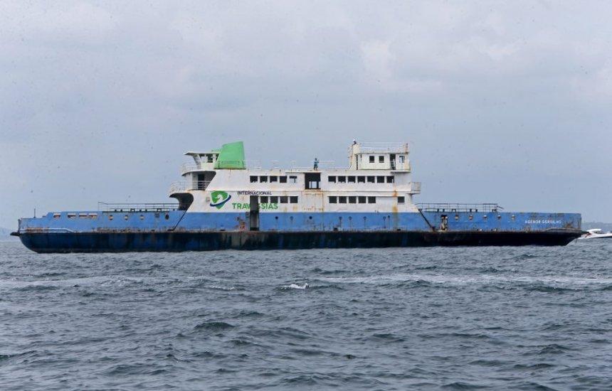 [Ferry e rebocador são afundados na Baía de Todos-os-Santos; Governo investe no turismo subaquático]