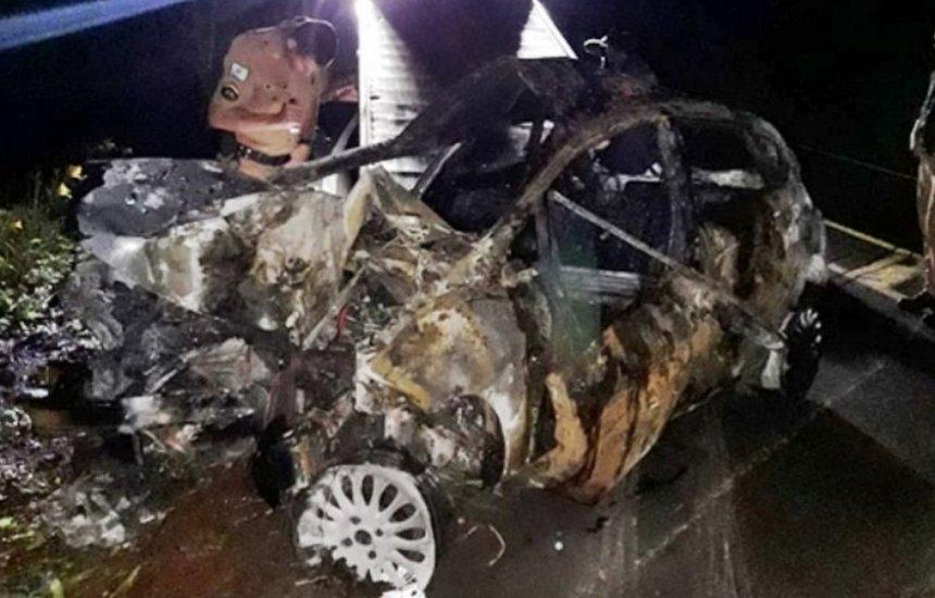 [Homem mata companheira e morre ao bater carro durante fuga no Paraná]