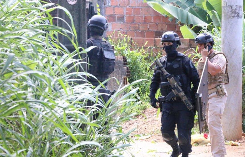 [Após serem mantidos reféns por cerca de 3h em Salvador, casal e bebê são libertados]