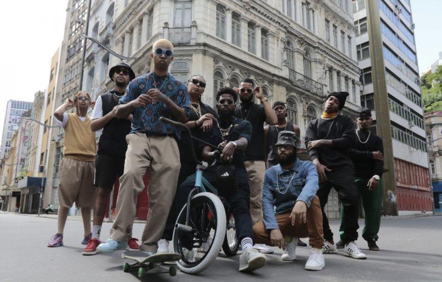 [Afrocidade transporta a catarse de seus shows para o EP