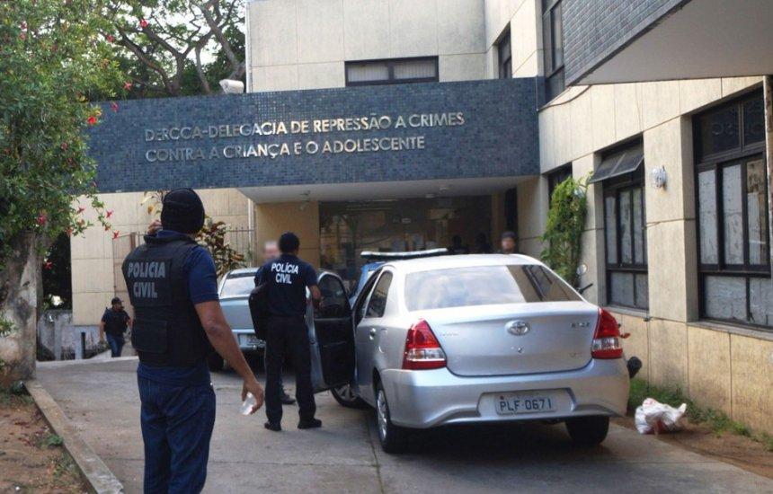 [Homem é preso em Salvador suspeito de estuprar filho de 4 anos e filha de 8 em Salvador]