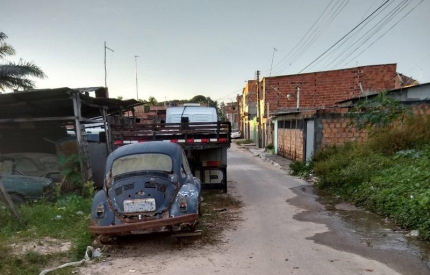 [Moradora pede retirada de carros velhos de rua do Verde Horizonte]