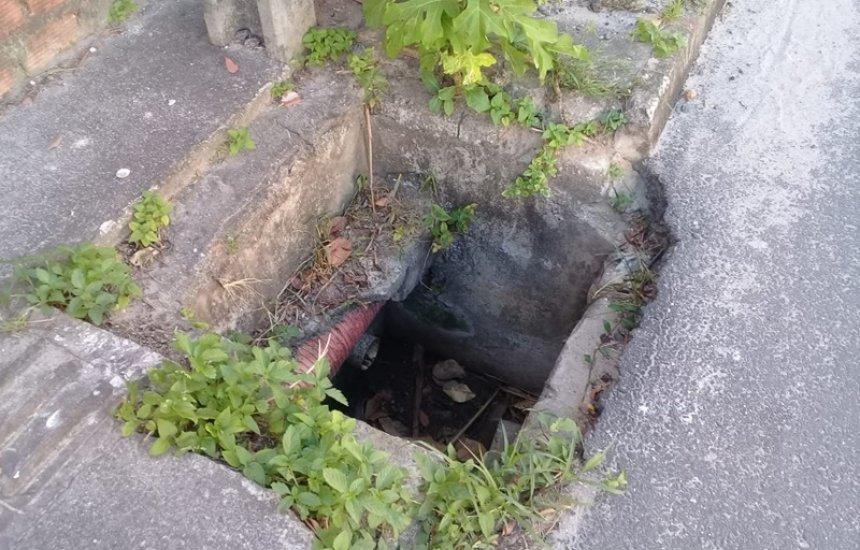 [Morador pede conserto de tampas de caixas de esgoto no Jardim Limoeiro]