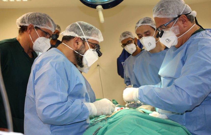 [1ª cirurgia de alta complexidade para corrigir anomalia rara de criança é realizada no HEC]