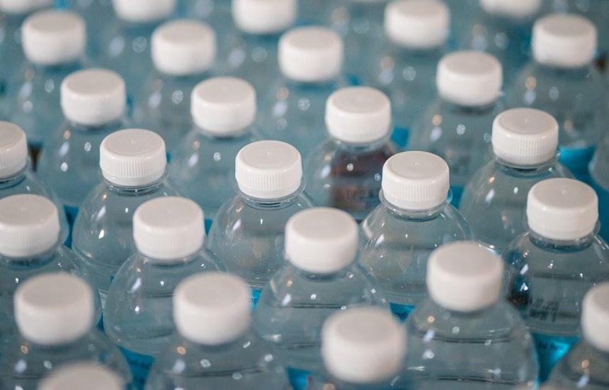 [Produção e venda de plásticos não recicláveis ou biodegradáveis no Brasil podem ser proibidos]