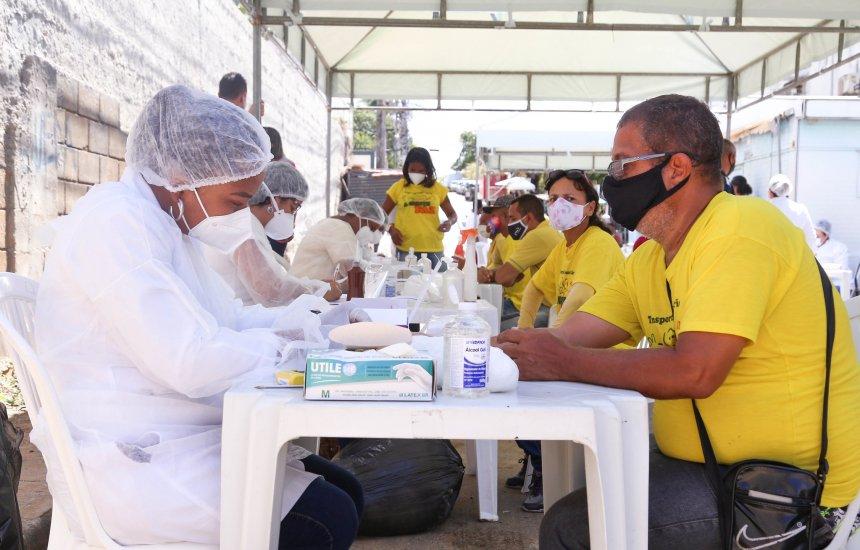 [Dez pessoas testam positivo para Covid-19 em barreira sanitária instalada em Lauro de Freitas]