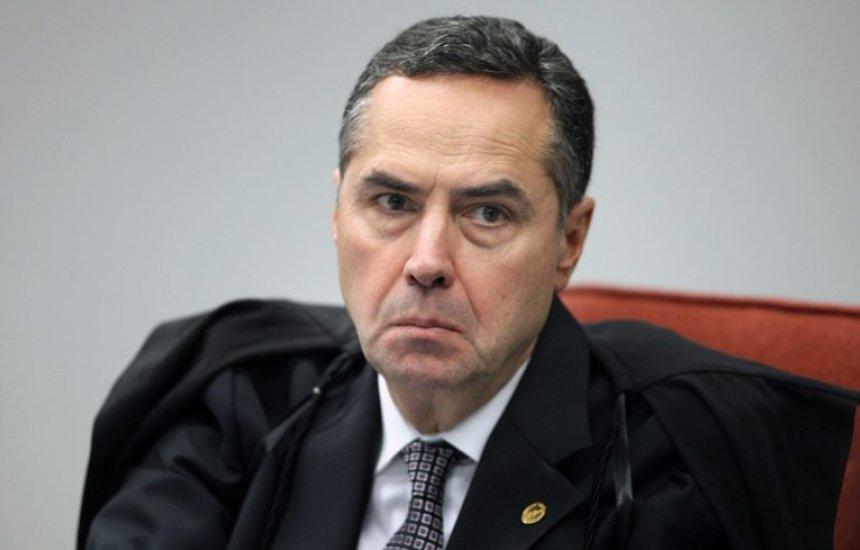 [Senadores articulam pedido de impeachment contra Barroso]