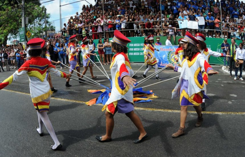 [Novo decreto suspende desfiles cívicos em Camaçari]