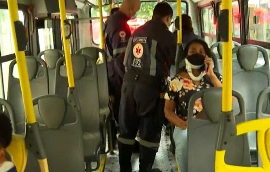 [Batida entre três ônibus deixa quatro feridos em Salvador; acidente ocorreu após motorista de um dos coletivos passar mal]