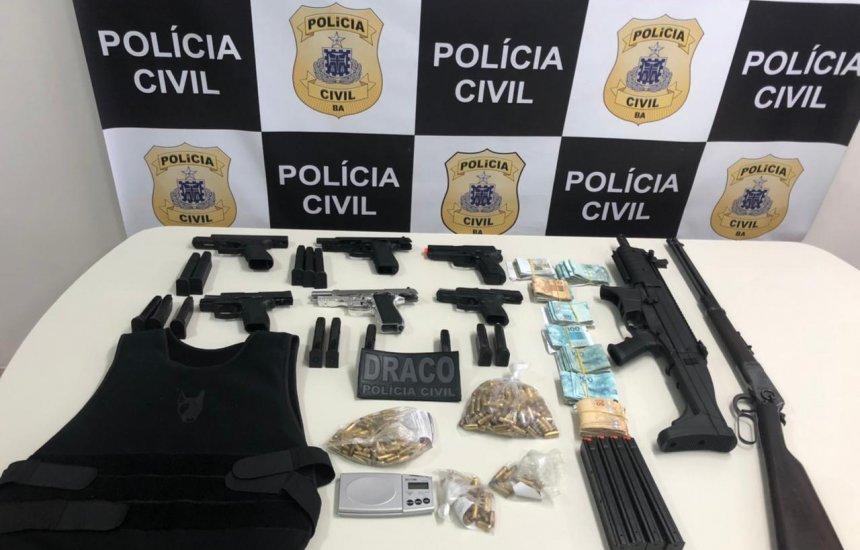 [Suspeita de tráfico: família é presa com armas, munições e R$ 41,2 mil em ação no Parque Verde]
