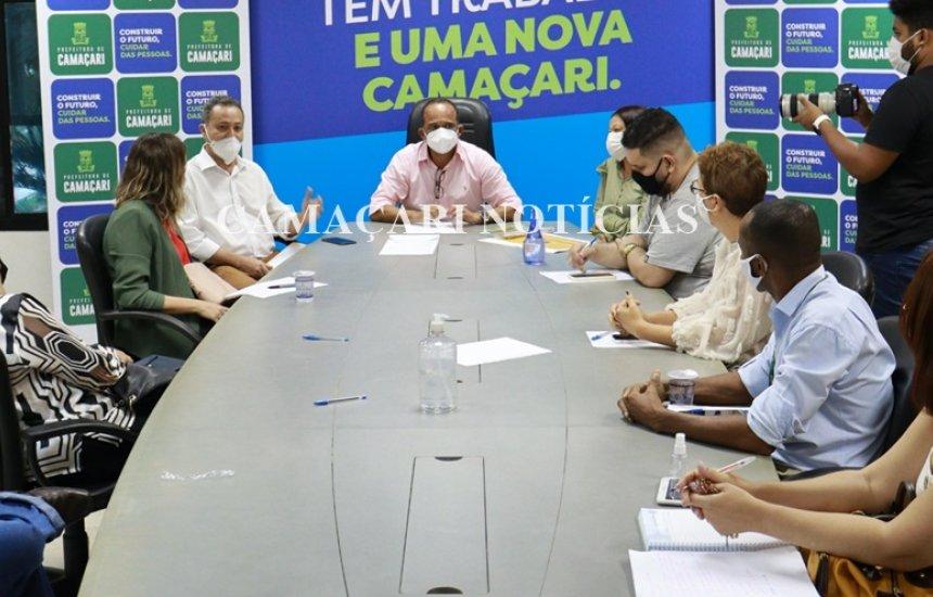 [Reunião discute retorno das aulas presenciais em Camaçari]