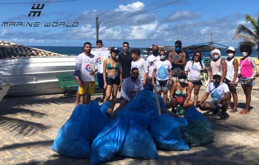 [Projeto socioambiental retira cerca de 1 tonelada de lixo das praias de Camaçari]