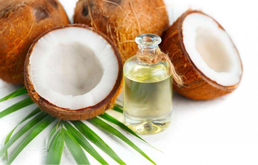 [Óleo de coco: saiba os benefícios do alimento para sua saúde e rotina]